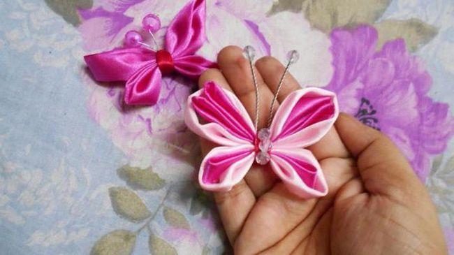 Fluture făcut din panglici de mâini