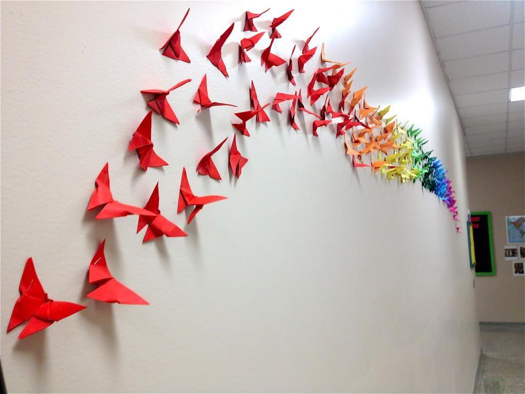 fluture pe perete