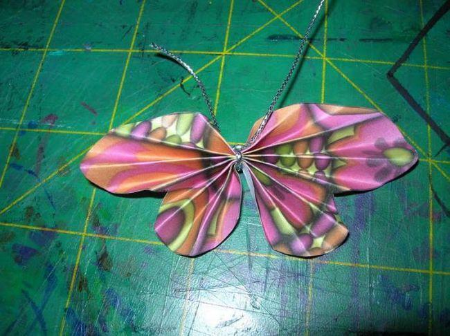 Modele de tăiere tip fluture din hârtie