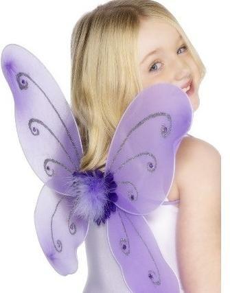 Costumul unui fluture cu mâinile tale