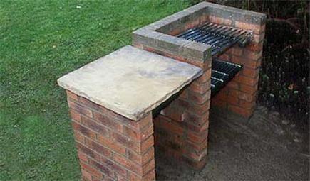 BBQ cuptor din cărămizi
