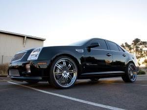 Cadillac STS - o mașină mare și puternică în stil american