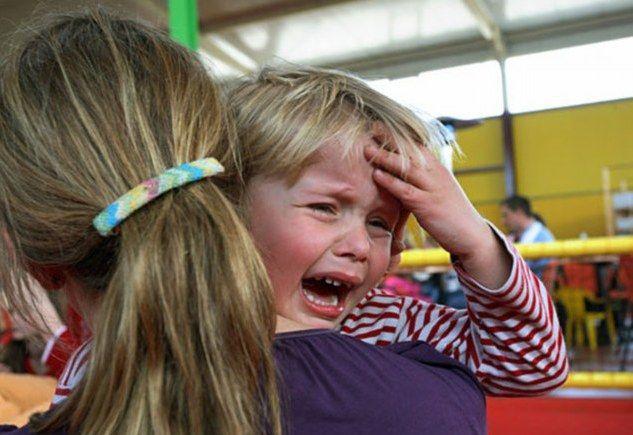 Capul copilului doare