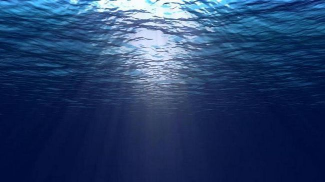 decât curenții oceanici diferă de valuri