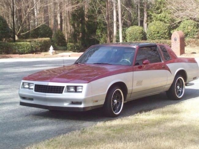 Chevrolet Monte Carlo - mașină fiabilă și elegantă