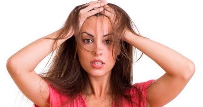Renunțați puternic la păr, ce să faceți în casă
