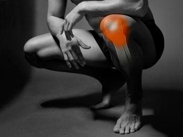 trăgând durere sub genunchi din spate