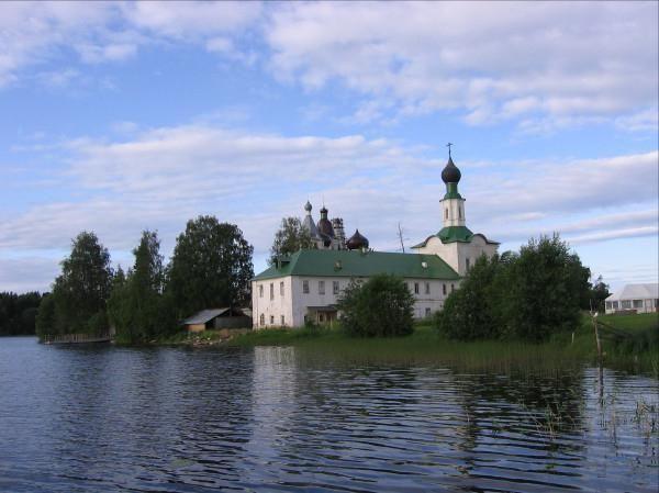 Tides și ebbs din Arhangelsk