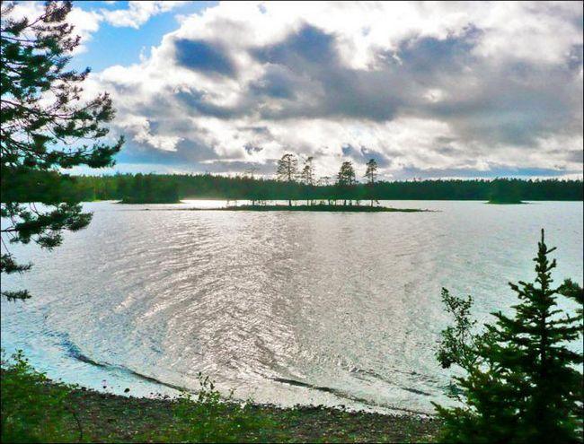 Apa și curgerea din Murmansk