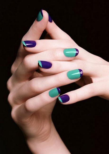 violet manichiura