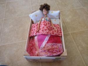 Meserii meșteri, sau cum să faci mobilier pentru Barbie cu propriile mâini