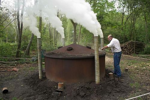 cum se face lemn de cărbune