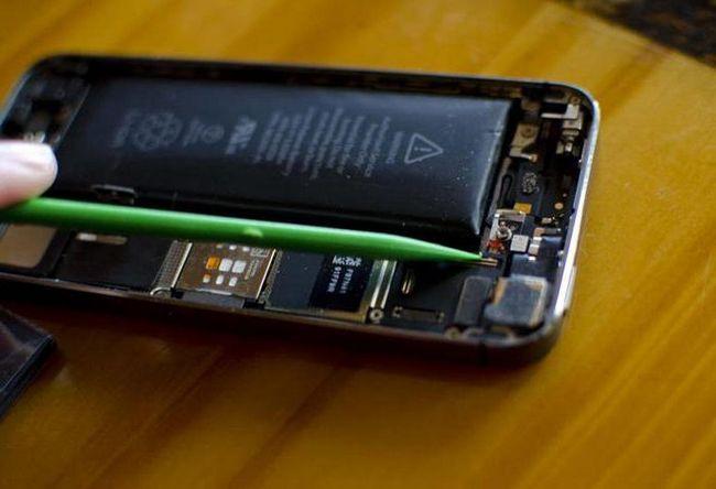 bateria telefonului Nokia a fost aruncată în aer