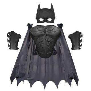 Pregătirea pentru Anul Nou: coaserea unui costum Batman