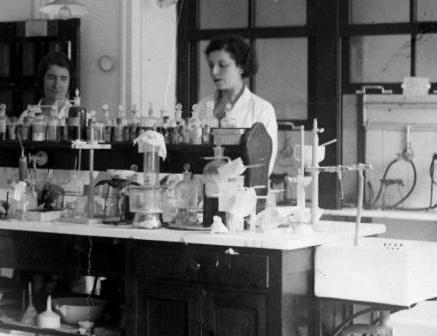 istoria descoperirii elementului chimic al Franței