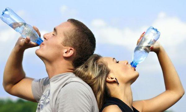 Metoda japoneză de tratare a apei pentru constipație uită pentru totdeauna