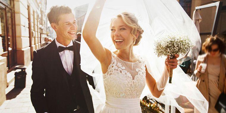 Fetele visează la o nuntă