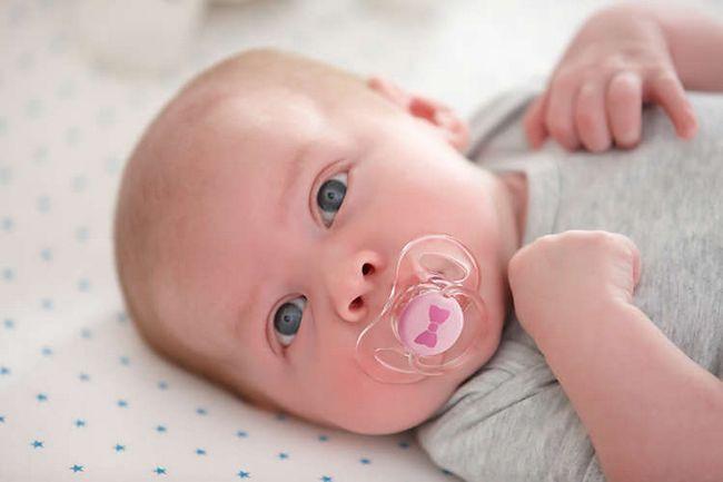 Cum să curățați un vârf pentru un nou-născut: instrucțiuni pas cu pas
