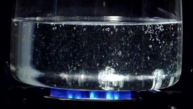care este punctul de fierbere al apei la presiune normală