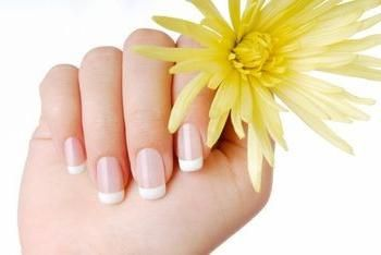 Cum să crești unghiile lungi într-un timp scurt?