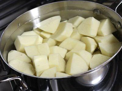 cum se fierbe cartofii