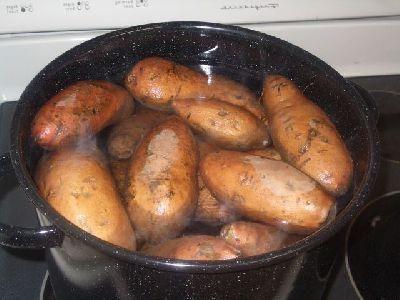 cum să fierbeți un cartof într-o uniformă