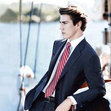 Cum de a alege o cămașă și o cravată pentru a se potrivi corect?