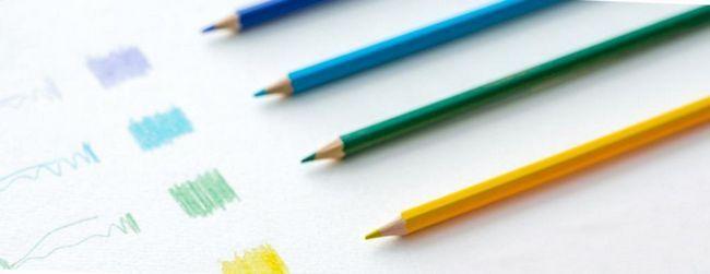 Cum să atragă cu creioane de acuarelă?