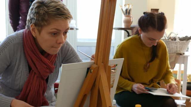 cum să desenezi un portret de ulei pe panza pentru începători