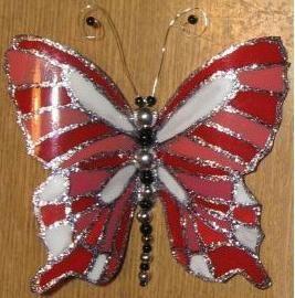 Cum sa faci un fluture dintr-o sticla de plastic