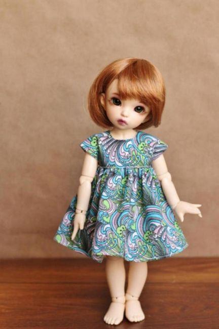 rochie pentru o păpușă