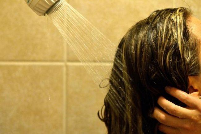 decât să spălați colorantul de păr de pe piele