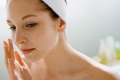 Cum să restrângeți porii și să nu vă răniți pielea?