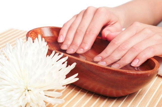 Cum să întăriți unghiile acasă: mijloace și metode