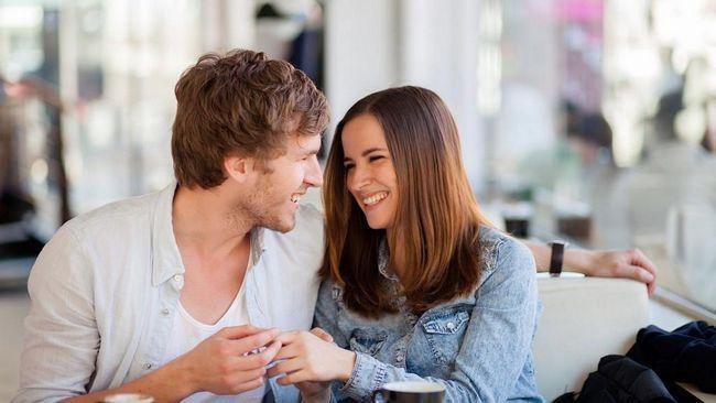 Cum se comportă un bărbat îndrăgostit de o femeie: semne și caracteristici