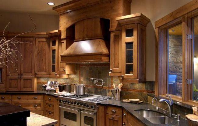 вставить деревянное окно в деревянный дом