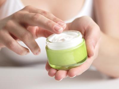 crema de zi pentru pielea cu probleme