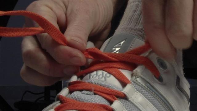 Cum de a lega șireturile inițial?