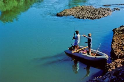 barca de pescuit