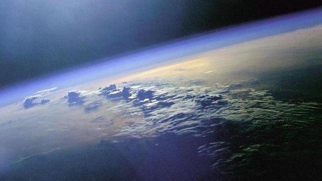 care sunt principalele proprietăți ale atmosferei