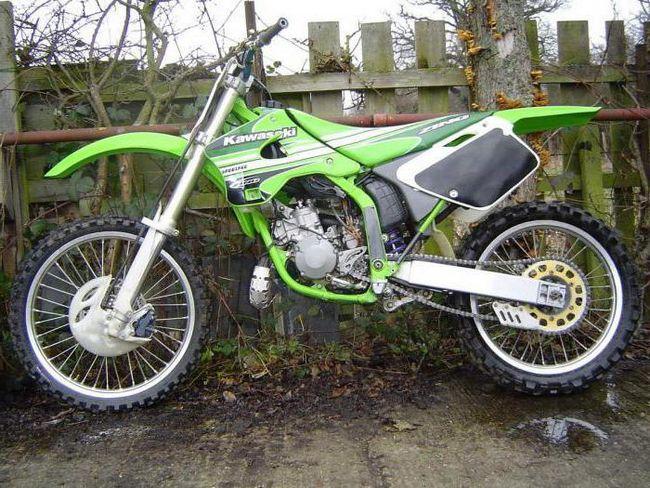 Kawasaki KX 125: date tehnice și opinia proprietarului