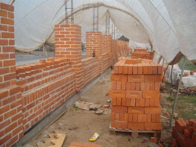 care este grosimea zidului de cărămidă