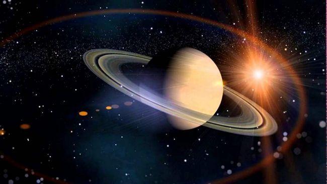 Saturn cu inele