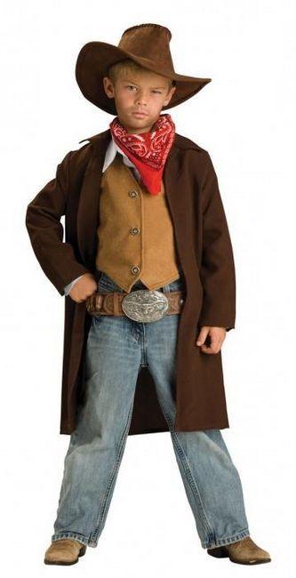 Costum de cowboy cu mainile tale si acasa