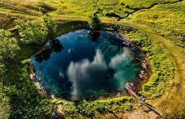 lac albastru în regiunea Samara