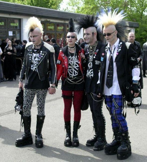 Cine este punk? Esența subculturii