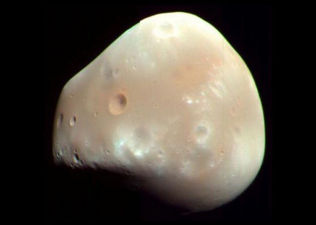 deimos satelit de pe Marte