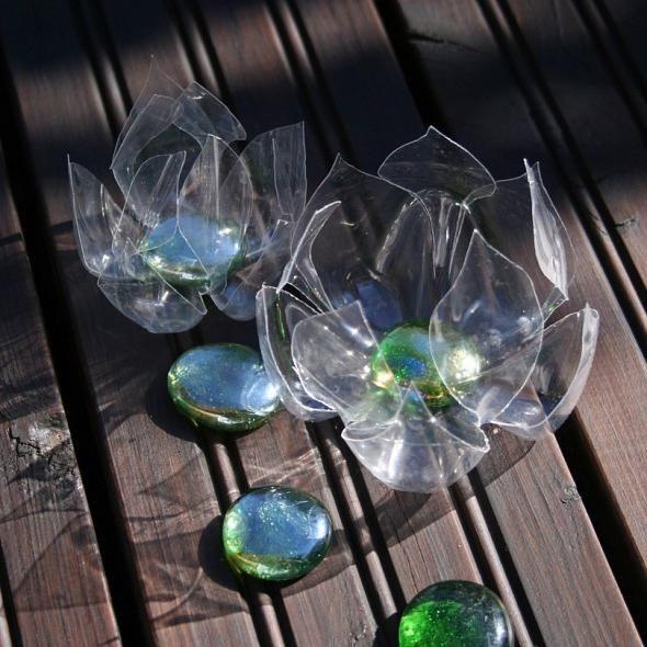 crin de apă dintr-o sticlă de plastic