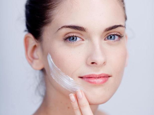 crema hidratanta pentru pielea tanara