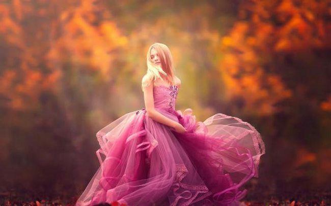 make-up pentru ochi căprui sub o rochie roz